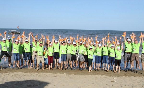 Tâm Bình Du Lịch Biển Hải Tiến Hè 2014