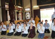 Giới thiệu sản phẩm và tặng quà tại Thiền viện Sùng Phúc