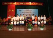 Công ty Dược Phẩm Tâm Bình trao 11 suất học bổng cho sinh viên nghèo vượt khó