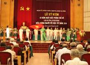 """Quận ủy Ba Đình trao bằng khen biểu dương """"Người tốt, việc tốt"""" cho CBNV Công ty Dược phẩm Tâm Bình"""