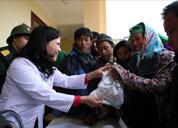 Khám bệnh, cấp phát thuốc cho 500 đồng bào dân tộc tại huyện Si Ma Cai