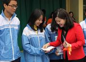 Công ty Tâm Bình trao 20 suất học bổng cho các em học sinh trường THPT Cầu Giấy