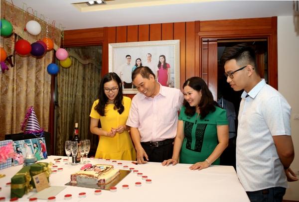 Dược sĩ Lê Thị Bình: Gia đình là điểm tựa thành công