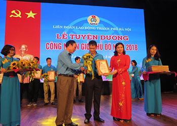 """Anh Vũ Văn Phùng – Tổ trưởng Tổ Cơ điện Công ty Dược phẩm Tâm Bình được vinh danh """"Công nhân giỏi thủ đô"""""""
