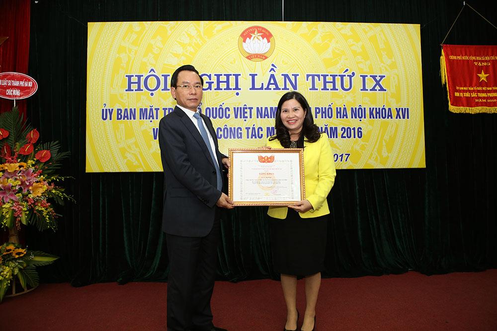Ông Vũ Hồng Khanh và TGĐ Lê Thị Bình