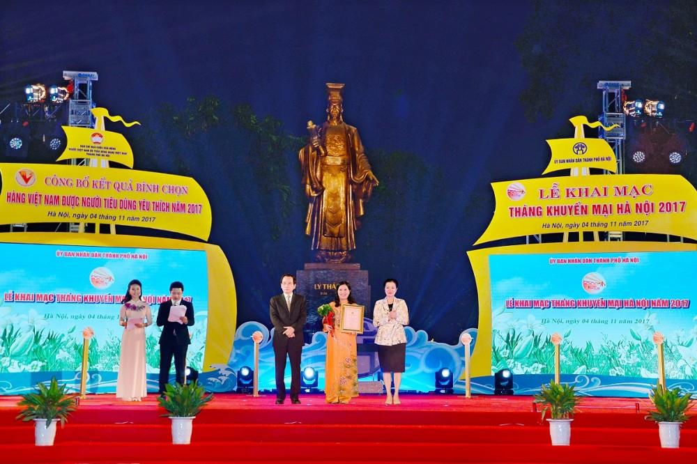 """Top 1 Hàng Việt Nam được người tiêu dùng yêu thích"""" năm 2017"""