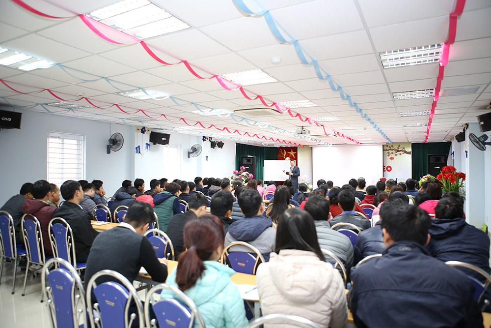 """Lớp học """"Tạo động lực và đổi mới tư duy làm việc"""" cho CBNV"""