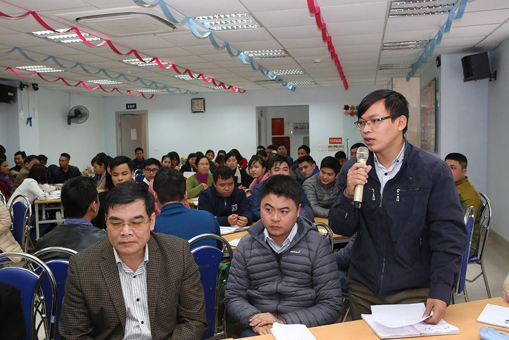 Anh Đoàn Văn Đông chi sẻ trong khóa học