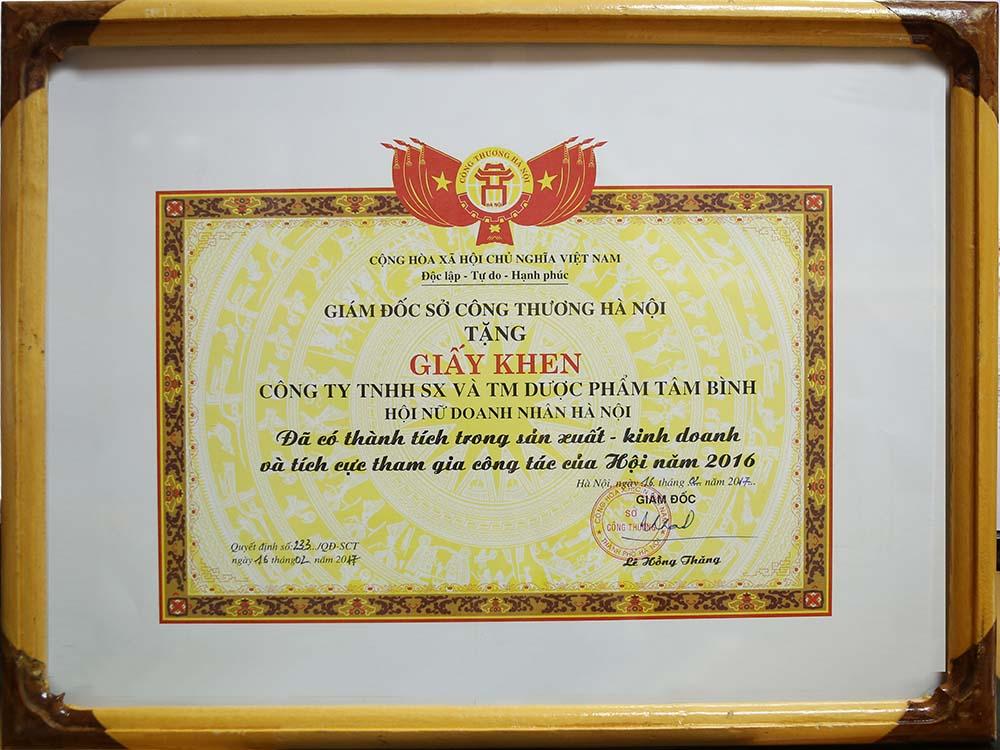 Bằng khen sở Công thương Hà Nội dàng tặng công ty TNHH SX và TM Dược phẩm Tâm Bình