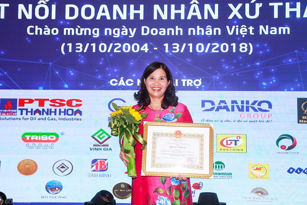 Tổng Giám đốc Lê Thị Bình được vinh danh tại Gala kết nối Doanh nhân xứ Thanh
