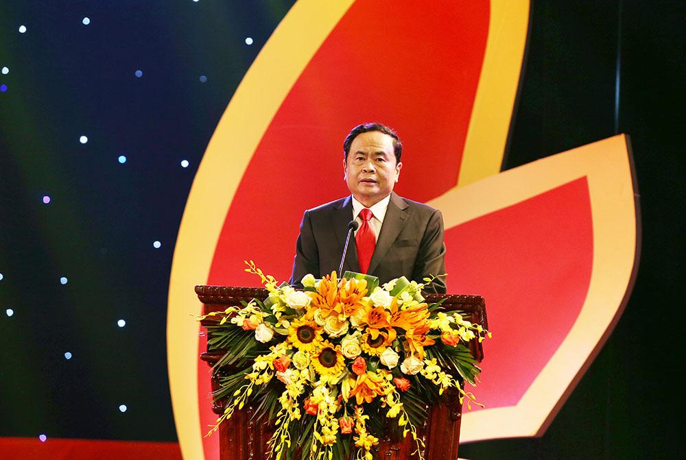 Ông Trần Thanh Mẫn, Ủy viên Trung ương Đảng, Chủ tịch Ủy ban Trung ương MTTQ Việt Nam đánh giá cao Cuộc vận động và sự nỗ lực của các doah nghiệp, thương hiệu Việt Nam phát biểu khai mạc chương trình