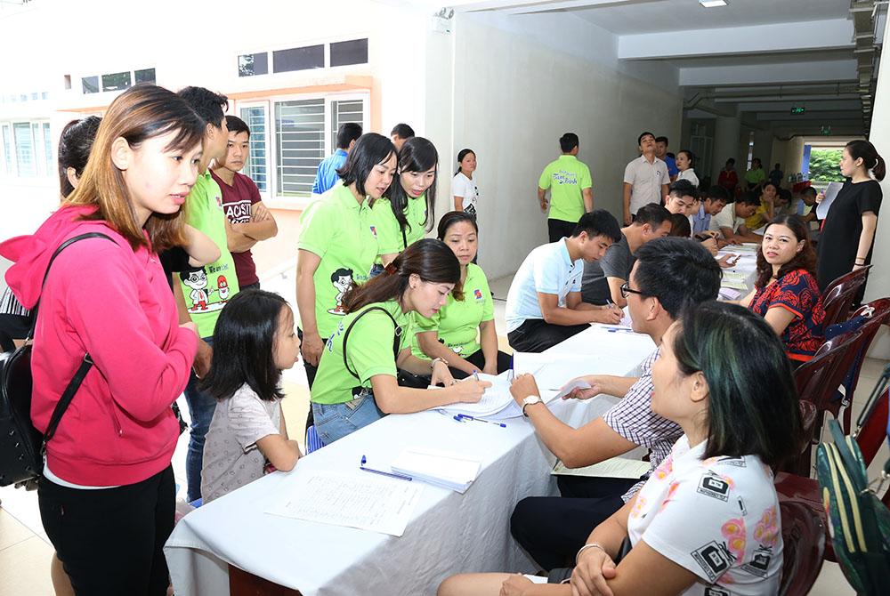 Cán bộ nhân viên Dược phẩm Tâm Bình tham gia ngày hội hiến máu