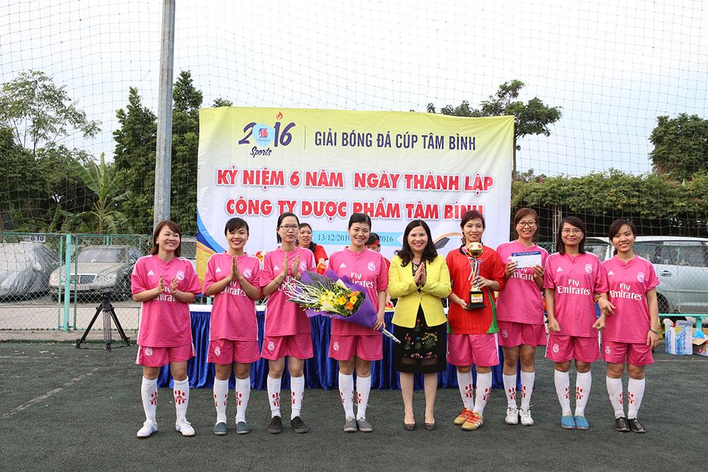 Đội nữ giải nhất