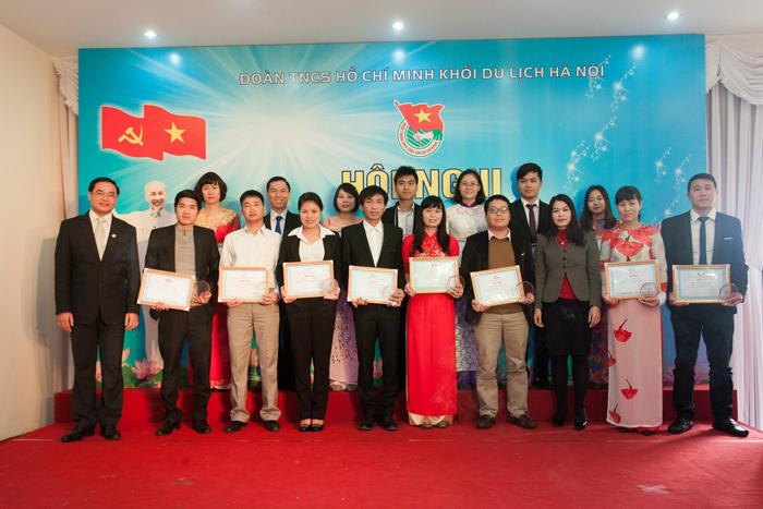 Hội nghị tổng kết công tác Đoàn và phong trào thanh niên 2014 - Tuyên dương thanh niên tiên tiến làm theo lời Bác.
