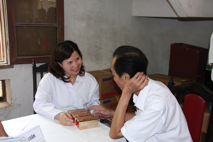 Tư vấn dùng thuốc cho bệnh nhân