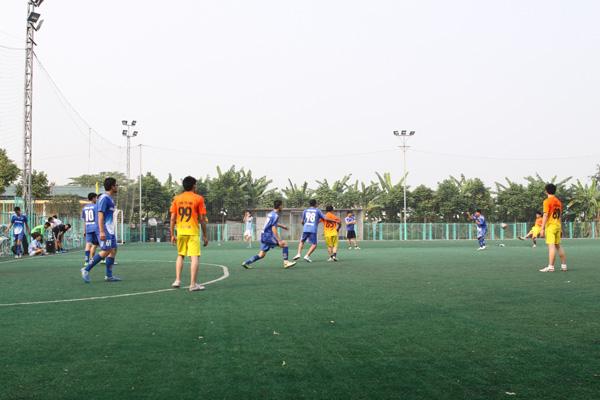 luyện tập đá bóng cúp Tâm Bình