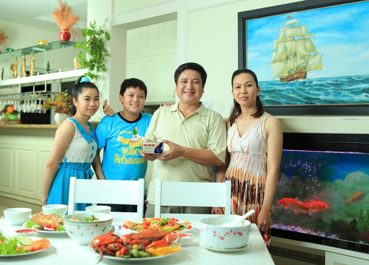 Viên Tiêu Hóa Tâm Bình với Nghệ sĩ Chí Trung