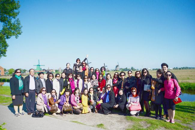 Đoàn Nữ doanh nhân đi tham quan tại Hà Lan