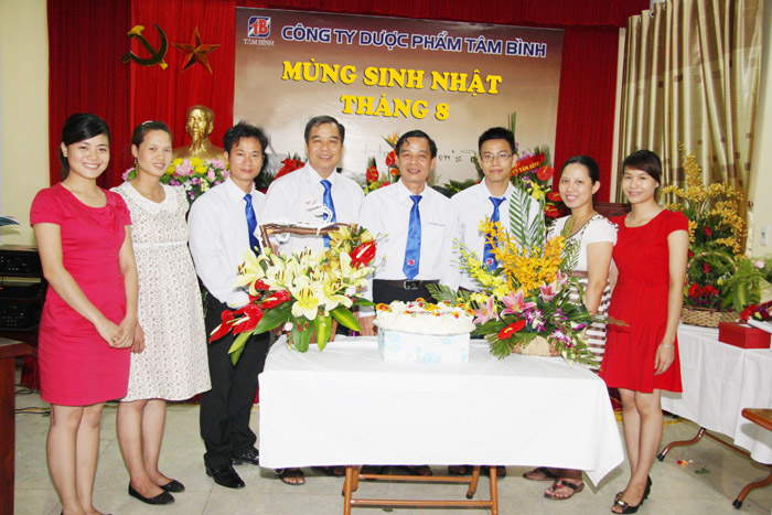Tổ chức sinh nhật hàng tháng là nét văn hóa đẹp của Công ty Tâm Bình