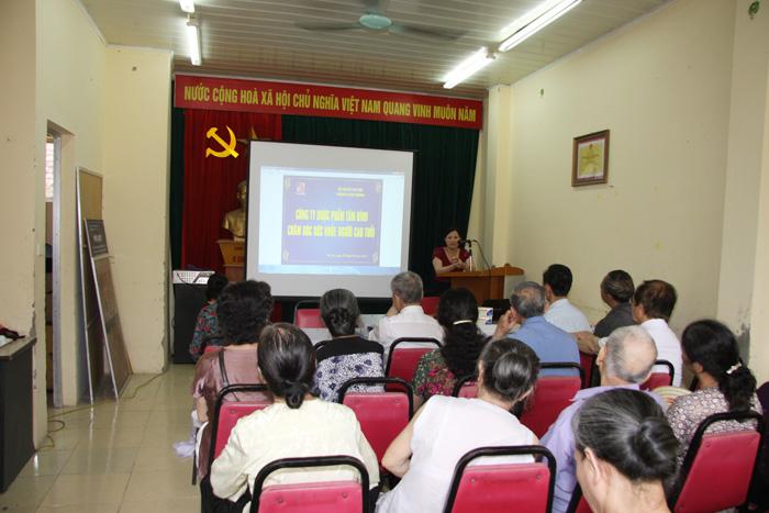 TGĐ - Dược sĩ Lê Thị Bình chia sẻ mong muốn được đóng góp vào việc chăm sóc và nâng cao sức khỏe cho người cao tuổi