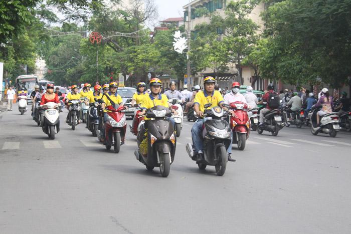 Đoàn diễu hành của công ty