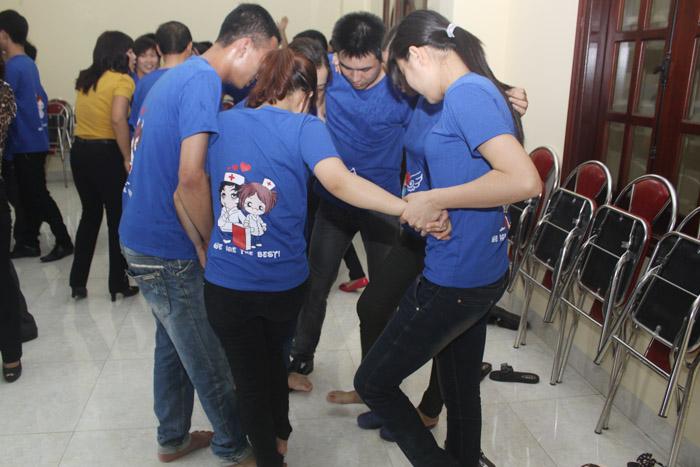 Các trò chơi tập thể đã giúp cán bộ, công nhân viên Công ty gắn bó và đoàn kết hơn trong công việc cũng như cuộc sống