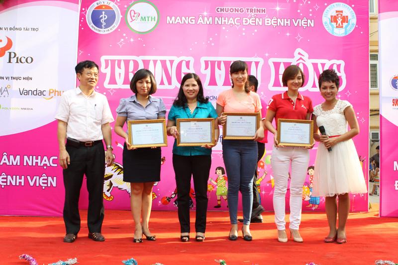 PGS.TS Phạm Nhật An - Phó Giám đốc Bệnh viện Nhi TW gửi lời cảm ơn sâu sắc đến đại diện các Nhà tài trợ chương trình