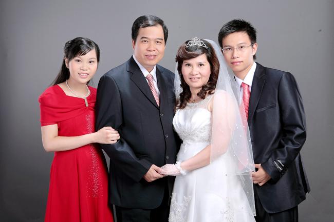 Gia đình hạnh phúc của Dược sĩ Lê Thị Bình