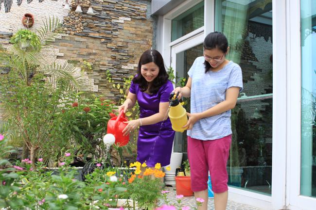 Những phút giây đời thường của Dược sĩ Bình và con gái Bảo Châu