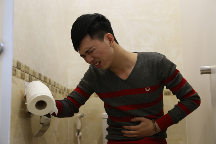 đau bụng, đi ngoài, ăn đồ ăn lạ vào là đau bụng