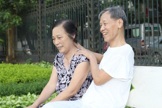 Người bệnh nên kết hợp tập luyện, xoa bóp để giảm đau hiệu quả
