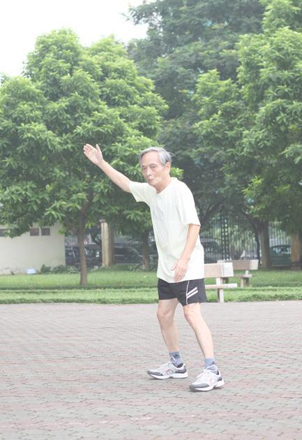 chế độ luyện tập của người cao tuổi - người cao tuổi dễ mắc bệnh viêm đau khớp gối - viêm đau khớp gối nên ăn gì