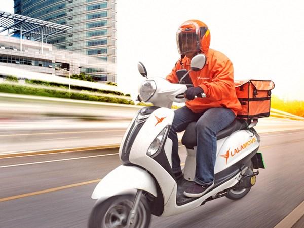 Nhân viên Giao hàng (bằng xe máy)