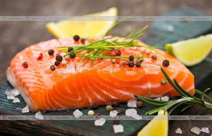 Trong cá hồi có nhiều omega 3 tốt cho người bệnh đại tràng