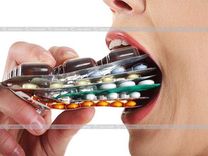Lạm dụng thuốc Tây trong thời gian dài có thể gây tổn thương đại tràng