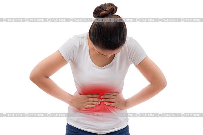 Bệnh nhân bị đau bụng kéo dài