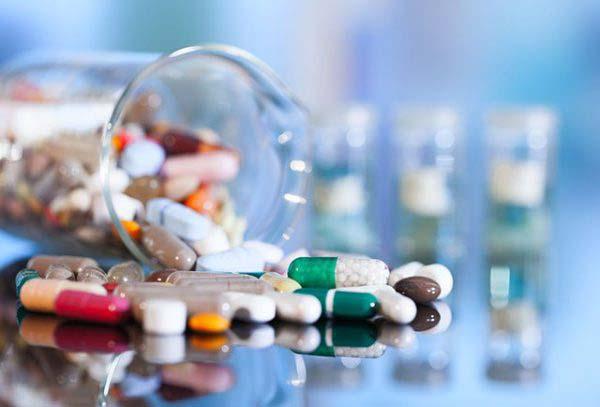 Thuốc tây có tác dụng nhanh nhưng dễ gây ra tác dụng phụ nếu không sử dụng đúng liều trình