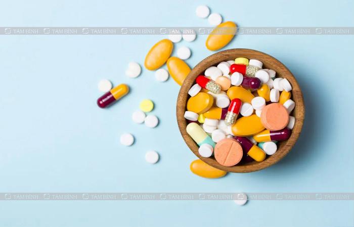 Thuốc tây có tác dụng giảm nhanh các triệu chứng đau bụng, đi ngoài