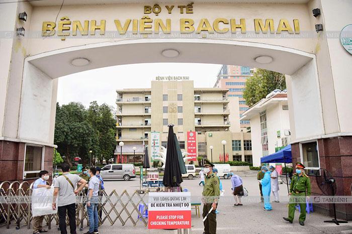 mổ thoát vị đĩa đệm ở bệnh viện Bạch Mai