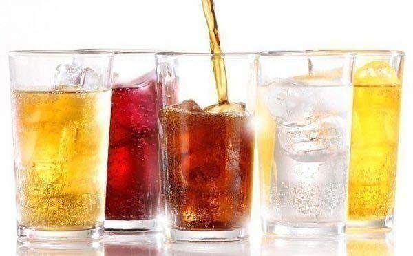 Nước ngọt có gas trở thành thức uống quen thuộc của người Việt