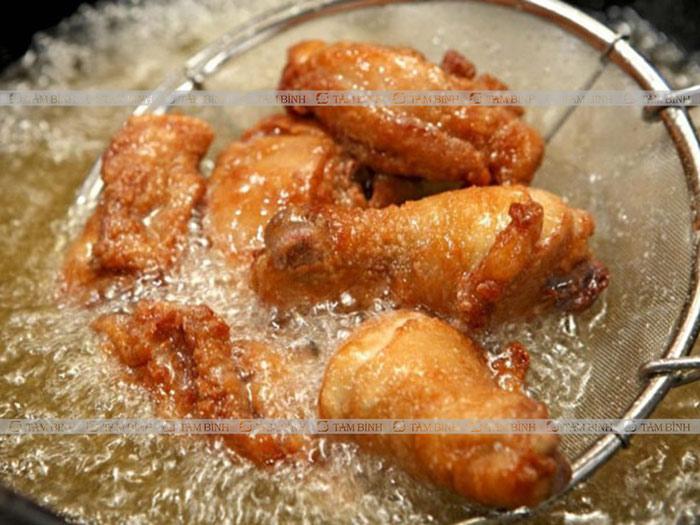 Thức ăn chứa nhiều dầu mỡ