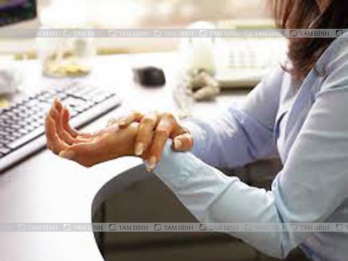 Đối tượng dễ mắc viêm đau khớp ngón tay