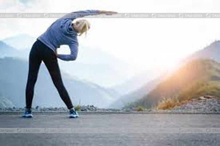 Tập thể dục ngoài trời vào buổi sáng phòng loãng xương