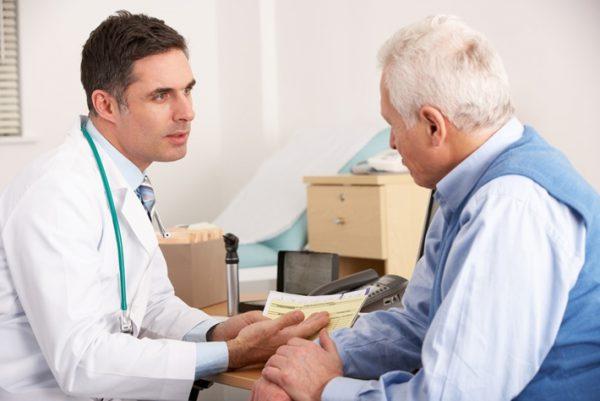 Cần trao đổi với bác sĩ khi gặp tác dụng phụ của thuốc