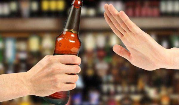 Không uống rượu bia trong thời gian sử dụng thuốc