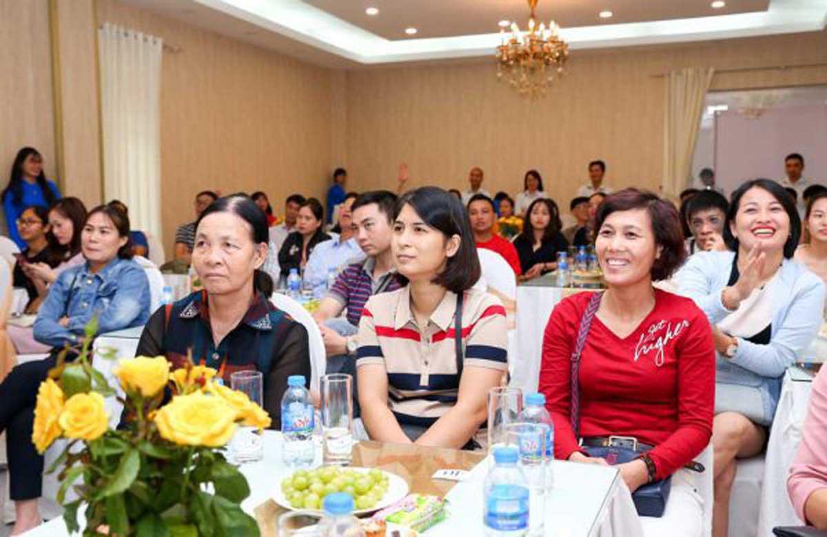 Hội thảo nhà thuốc khu vực Hà Nội ngày 18/10 thu hút đông đảo đại diện nhà thuốc trên địa bàn quận Thanh Xuân và Hà Đông đến tham dự.
