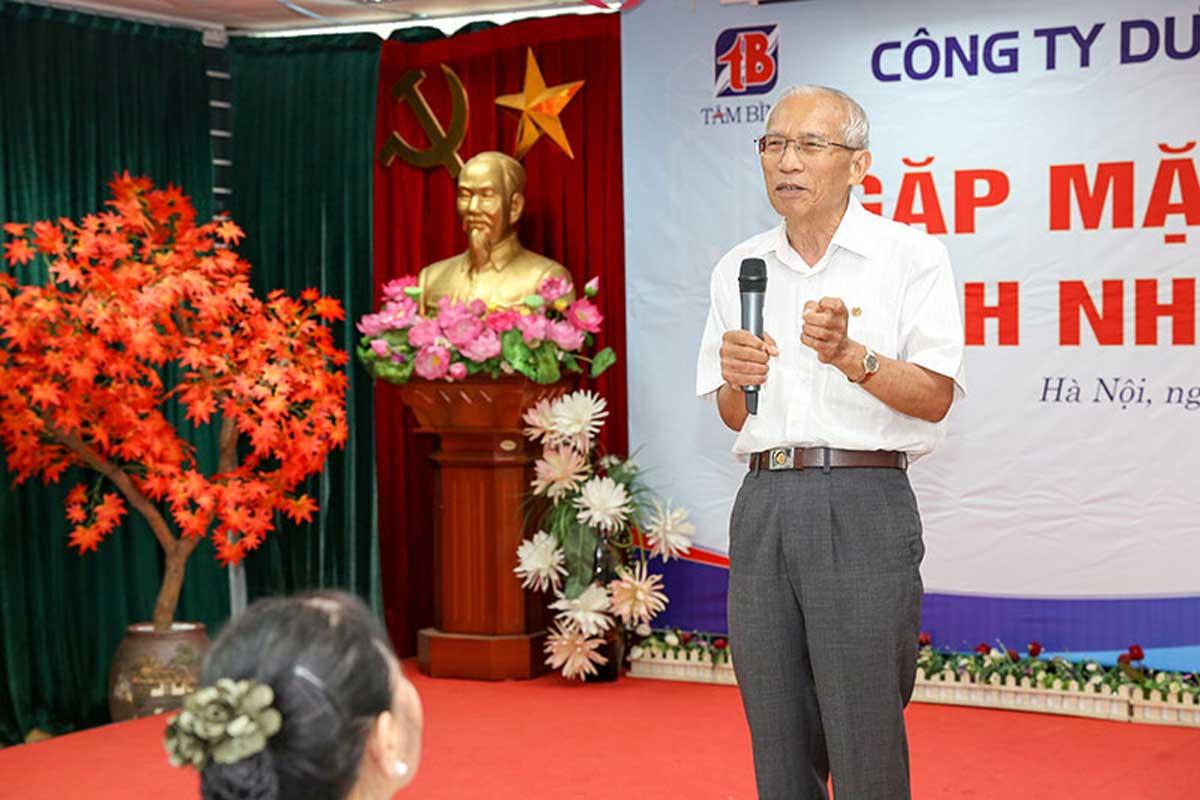 Đại tá Phạm Quy chia sẻ về Tâm Bình và đọc thơ tại hội nghị