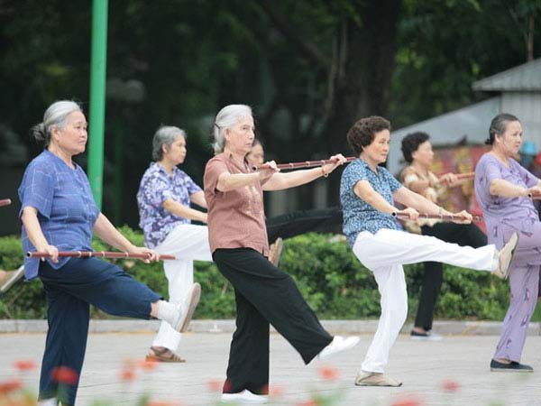 Tập thể dục hàng ngày là một trong những phương pháp phòng tránh bệnh polyp đại tràng