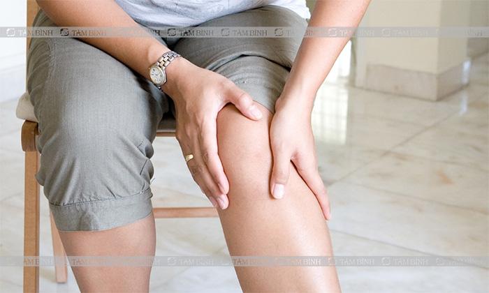 Viêm khớp dạng thấp có thể gây ảnh hưởng đến khớp gối