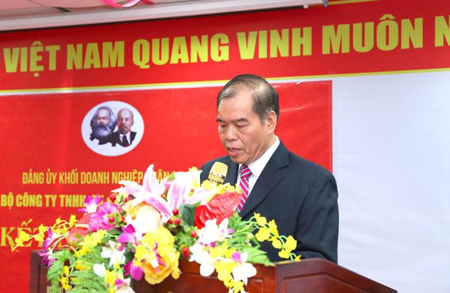 Bí thư chi Bộ Nguyễn Thế Hùng
